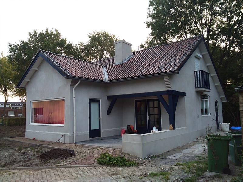 Buitenkant huis stucen en schilderen - Buitenkant thuis ...
